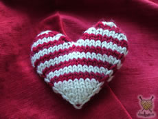 My knitted valentine, raised increases at the edge